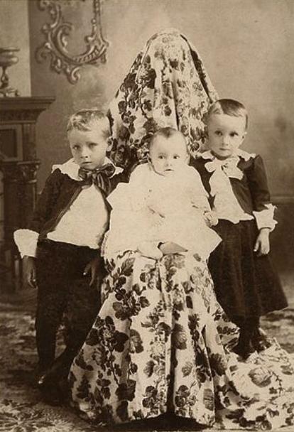 Umas das muitas mães invisíveis da era  vitoriana.